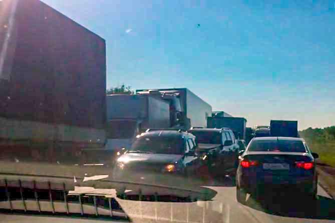 Затруднено движение автотранспорта на М-5: Организовано реверсивное движение