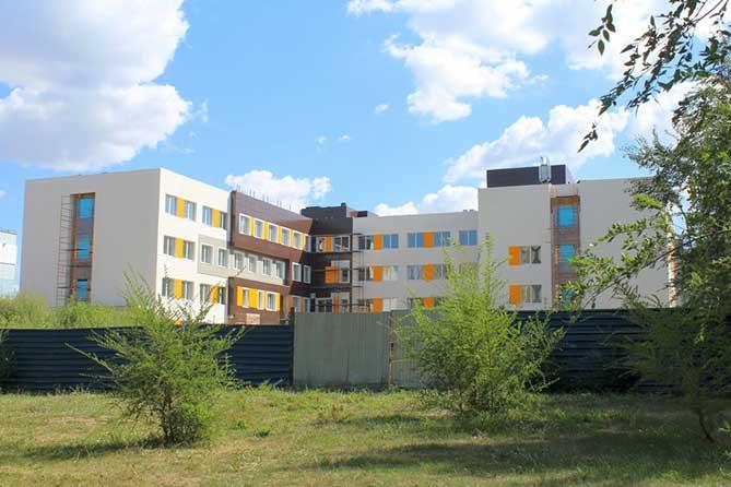 новое здание поликлиники стройка
