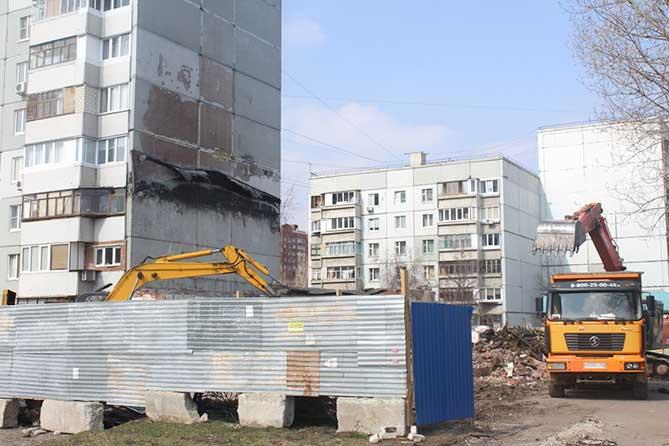 На месте сгоревшего ресторана «Телега» начались строительные работы