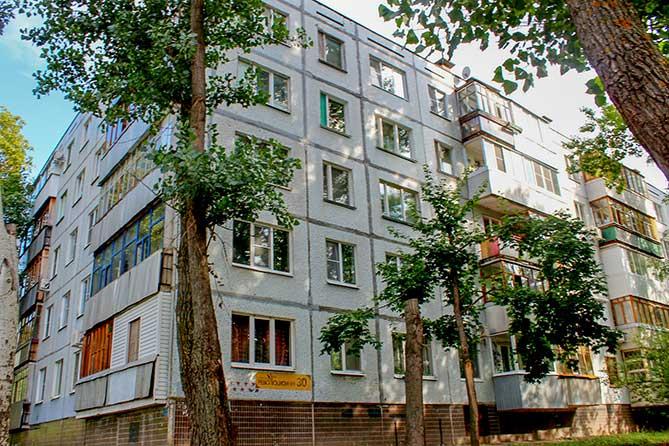 дом в 544 квартиры 1 500 человек живет