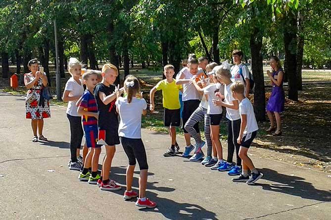 В Тольятти взрослые и дети праздновали День знаний 1 сентября 2018 года