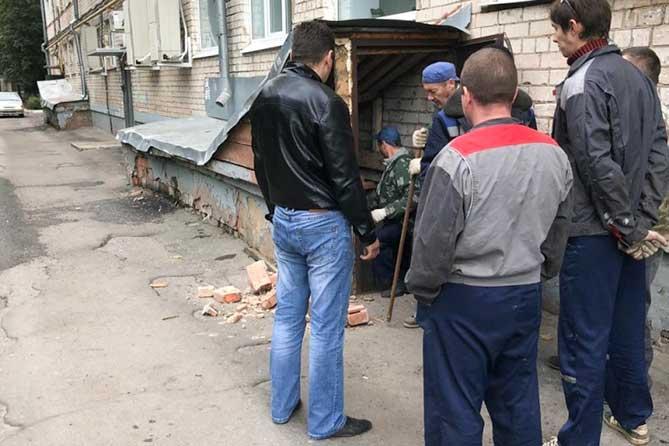 На личный прием к прокурору Тольятти обратился житель многоквартирного дома