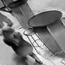 Мужчина с закрытым лицом напал с ножом на девушку в Тольятти