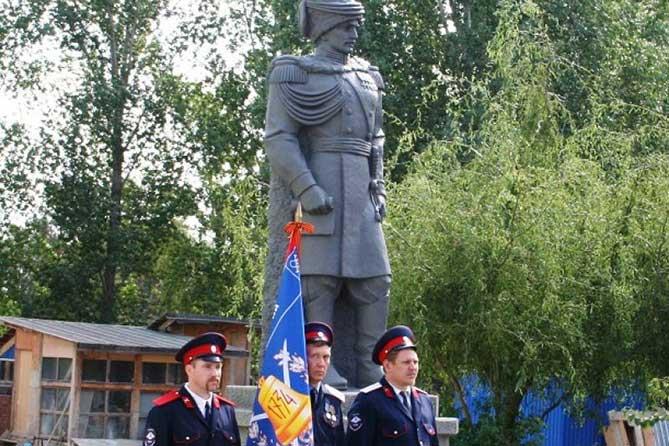 В Тольятти открыли памятник подполковнику Диомидию