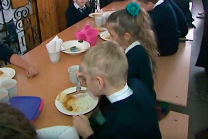 По поводу питания детей в школе