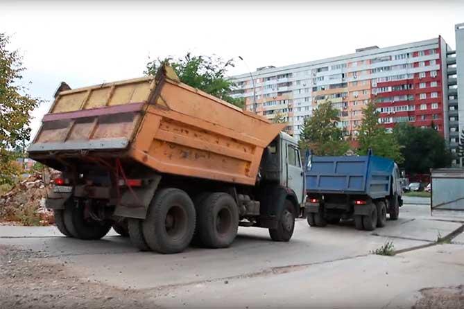 Сквер в честь 50-летия АВТОВАЗа: Со строительной площадки увозят бетонолом