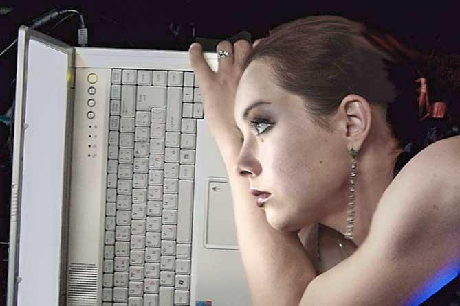 Медсестра продавала в Интернете картинки вместо вещей
