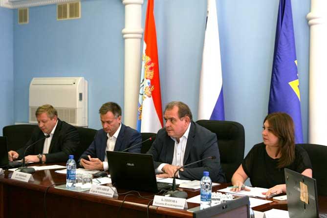 Промышленность, инвестиции, рынок труда, заработная плата, численность населения в Тольятти за 1 полугодие 2018 года