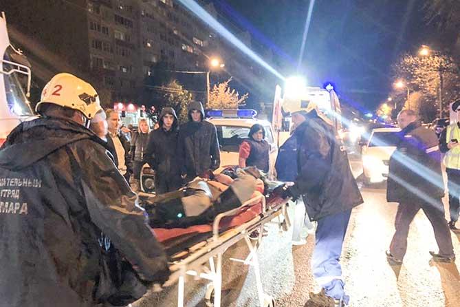 В Самаре женщина с ребенком попали под трамвай