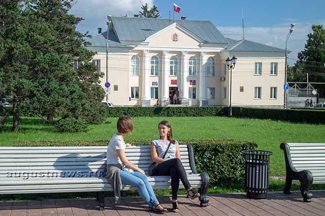 Кандидатами на должность главы могут стать как россияне, так и граждане иностранных государств