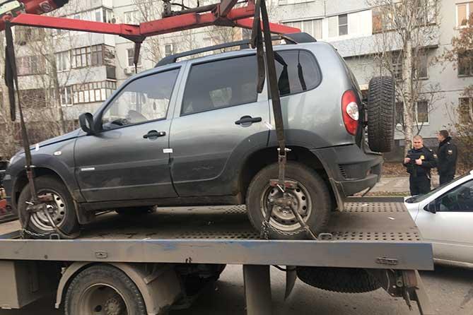 За долги по коммунальным платежам у жительницы Тольятти забрали автомобиль «Шевроле Нива»