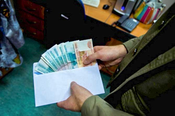 В Тольятти сотрудник администрации подозревается в получении взятки