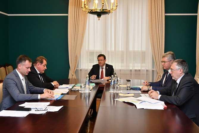 Дмитрий Азаров и Сергей Анташев обсудили направления оказания поддержки Тольятти из регионального бюджета в 2019 году