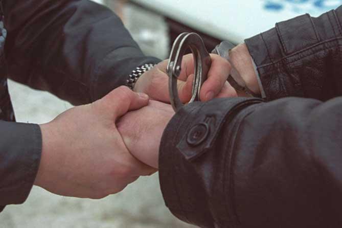 Трое мужчин похитили жителя Тольятти около подъезда дома