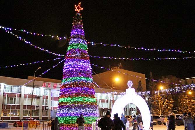 К Новому 2019 году в Тольятти установят восемь елок