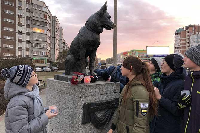 Памятник собаке в Тольятти заставляет задуматься каждого