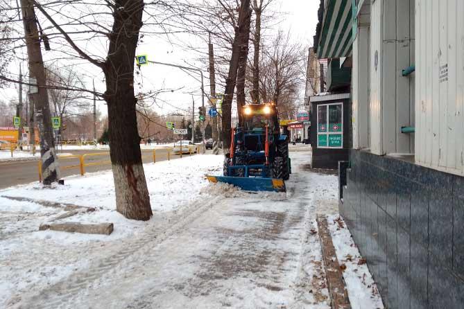 В Тольятти ожидаются сильные снегопады: Дорожные службы в боевой готовности
