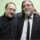 Дуэт мэтров джаза Даниила Крамера и Валерия Гроховского вытворяет за роялями такое, что кажется, будто инструменты пляшут