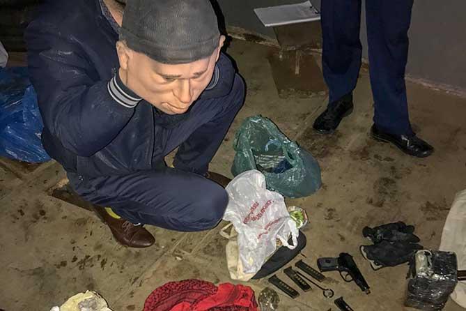 Члены банды, обвиняемые в совершении разбойных нападений, предстанут перед судом