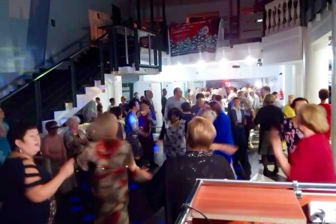 Жителей Тольятти приглашают на воскресные мероприятия проекта «Танцуют все»