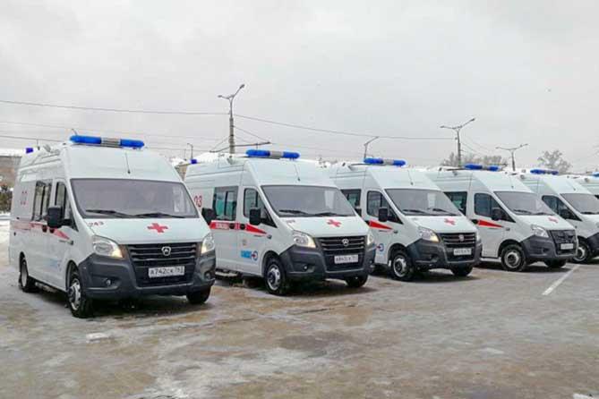 Медикам Тольятти вручили пять новых автомобилей «Скорой помощи»