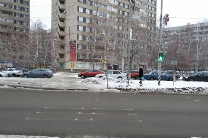 На улице 40 лет Победы под колеса автомобиля попал 54-летний пешеход