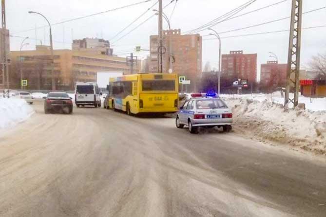 В Тольятти пострадал 13-летний пассажир автобуса: Поиск свидетелей ДТП