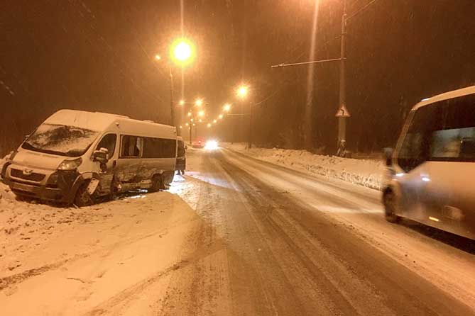 В Тольятти пострадали шесть пассажиров маршрутного автобуса