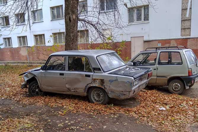В Тольятти бесхозные автомобили перевозят на спецстоянку