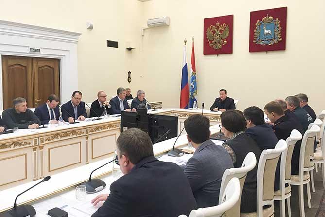 Нарекания к очистке дорог: Губернатор поручил активизировать работу служб в Тольятти