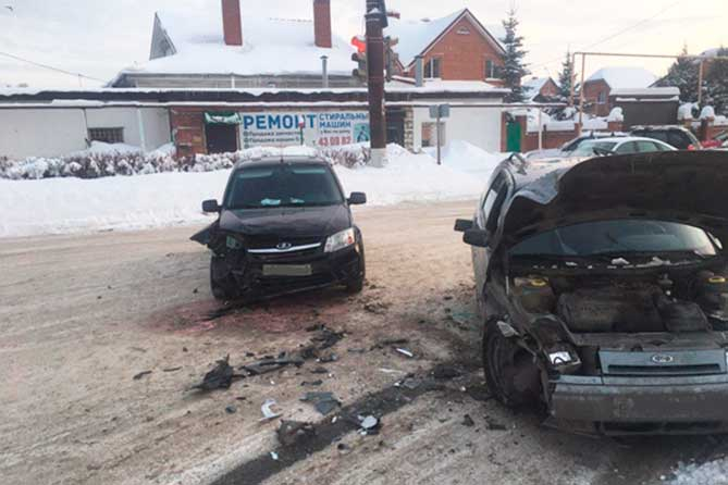Водитель устроила ДТП на улице Комсомольской 27 января 2019 года