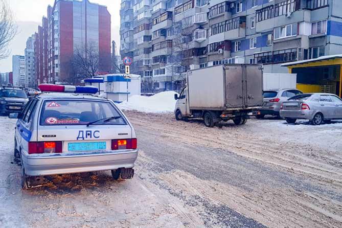 В Тольятти на 70 лет Октября под колесами Газели оказался 11-летний мальчик