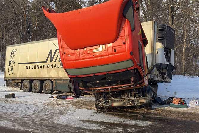 В ДТП на М-5 в Ставропольском районе пострадали два человека