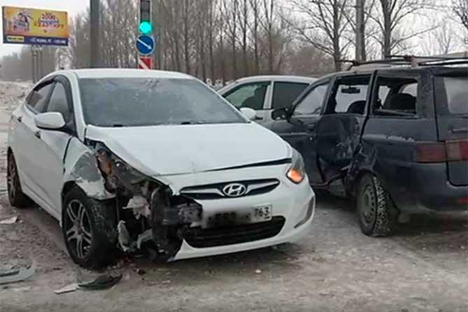 Женщина-пассажир пострадала в ДТП на Московском проспекте в Тольятти 28 января 2019 года