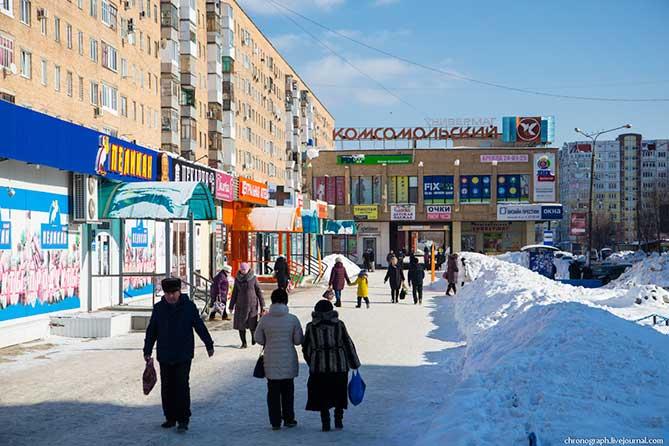 В Тольятти у женщины вырвали из рук сумку, где лежали 700 тысяч рублей