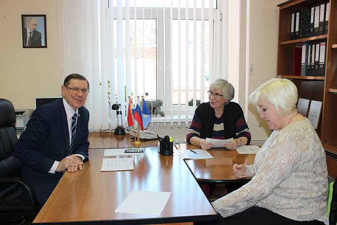 Председатель Думы Тольятти провел прием граждан: Курсы 3D-моделирования для школьников, кадетские классы, детские парламентские часы