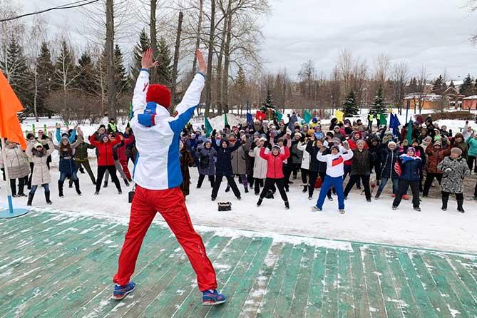 Каждую пятницу в парках Тольятти проводится зарядка