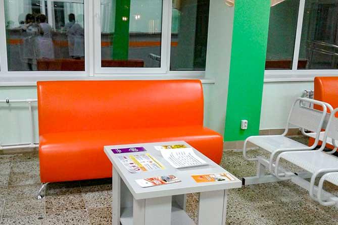 диван в холле АПК 2 ТГКП3