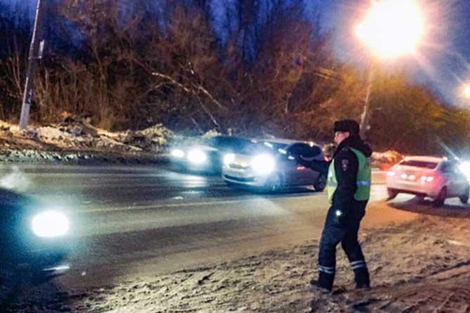 ГИБДД напоминает: Штраф в размере 5000 рублей или лишение права управления транспортными средствами до шести месяцев