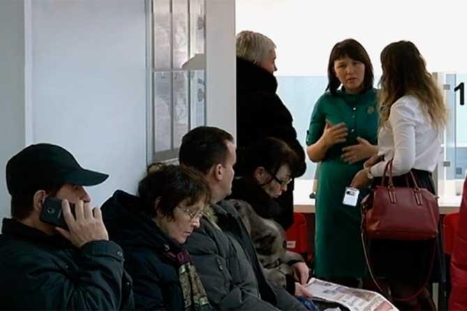 Сотрудники РЭО ГИБДД Тольятти обращают внимание граждан на изменение порядка приема