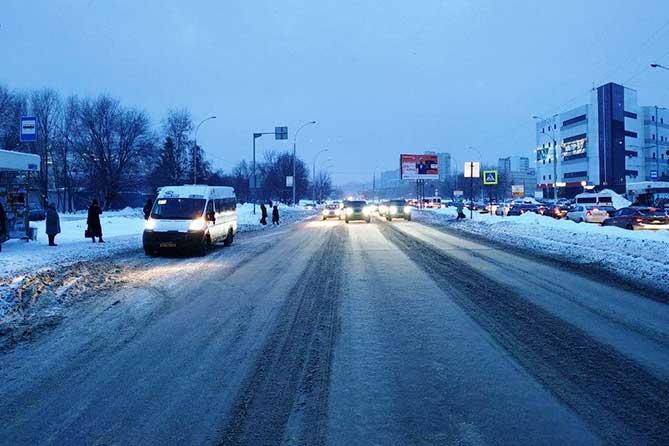 В Тольятти на улице 40 лет Победы под колеса автомобиля попал 17-летний пешеход