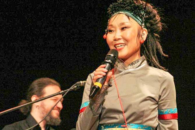 В тольяттинской филармонии выступила этно-рок-группа из Бурятии «Намгар»