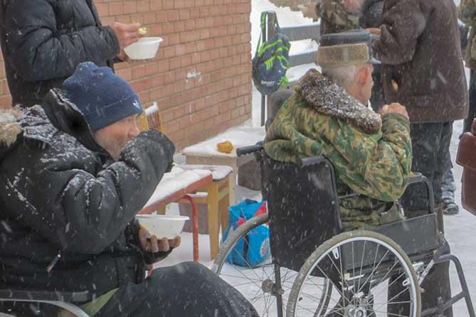 Бомжем может стать любой человек: Бездомные тольяттинцы переселяются в лес и в поле