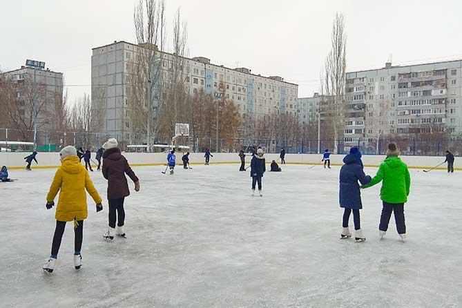 В феврале на дворовых катках Тольятти пройдут выступления и мастер-классы от фигуристов и хоккеистов