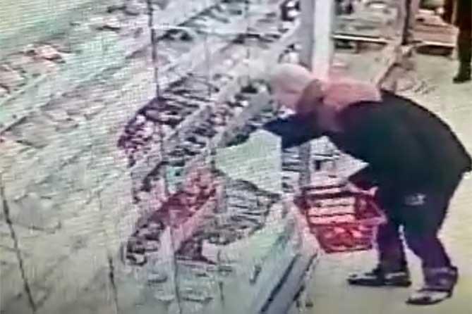 Нет постоянного источника доходов: Похитил колбасы на 3500 рулей