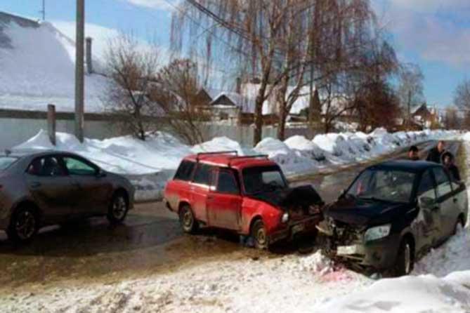 В ДТП 4 марта 2019 года в Центральном районе Тольятти пострадали два человека