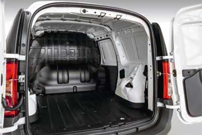 Битопливный LADA Largus CNG: газовый баллон объемом 90 литров и сохранен штатный 50-литровый бензобак