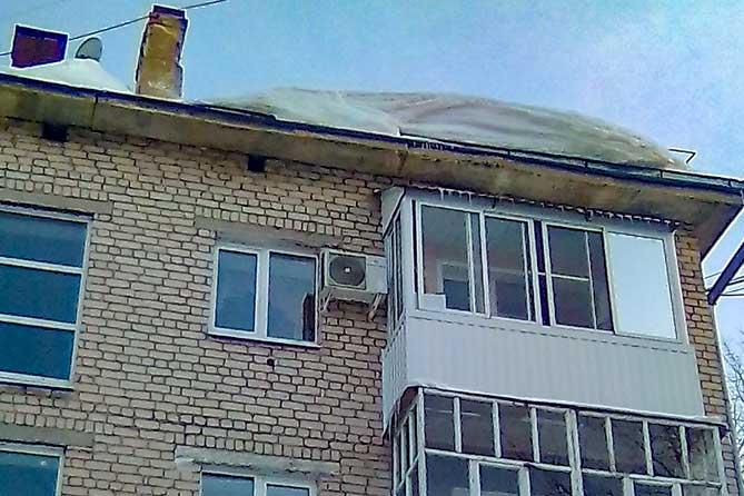 Подробности обрушения кровли жилого дома в Тольятти