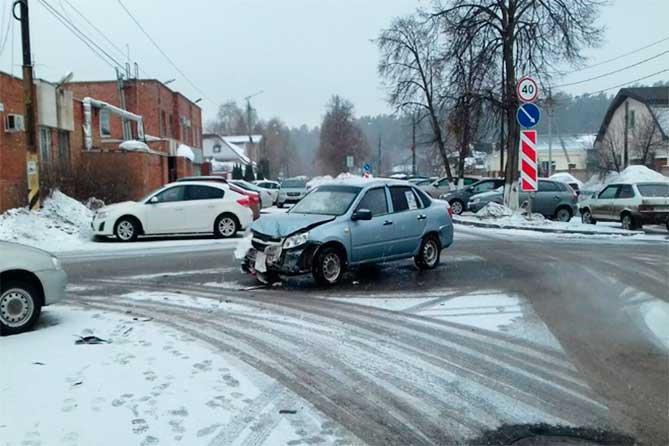 ДТП на улице Советской: Женщина-пассажир доставлена в городскую больницу