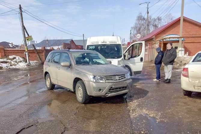 В Приморском в ДТП пострадали две пассажирки маршрутки